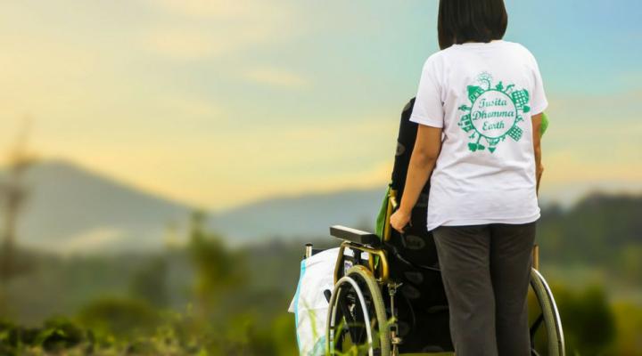 Il ruolo del caregiver nella cura delle malattie croniche: indagine Censis